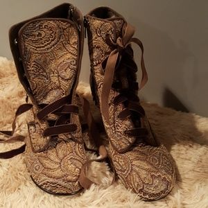 Gorgeous Victorian tapestry booties